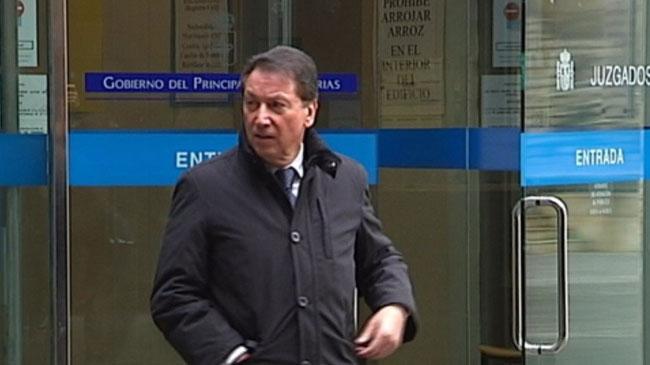 Rodolfo Cachero a su salida de un juzgado asturiano en una imagen de archivo