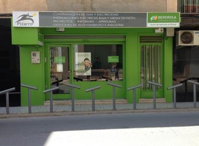 Iberdrola abre en torre pacheco su 25 punto de atenci n for Oficina iberdrola madrid