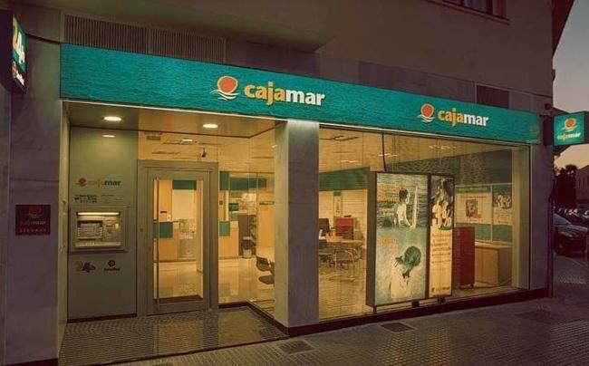 Cajamar vende una cartera de 630 inmuebles a axactor por for Oficinas cajamar murcia